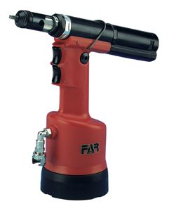 HYDROPNEUMATIC TOOL SET IN CASE